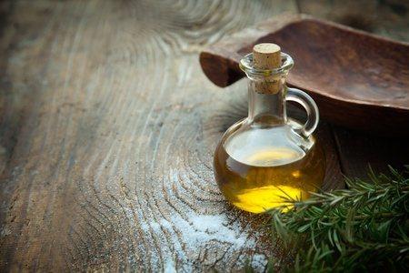 ▲喇叭標誌「正露丸」主成份木餾油是來自森林的天然好物,成份溫和效果顯著。 圖...