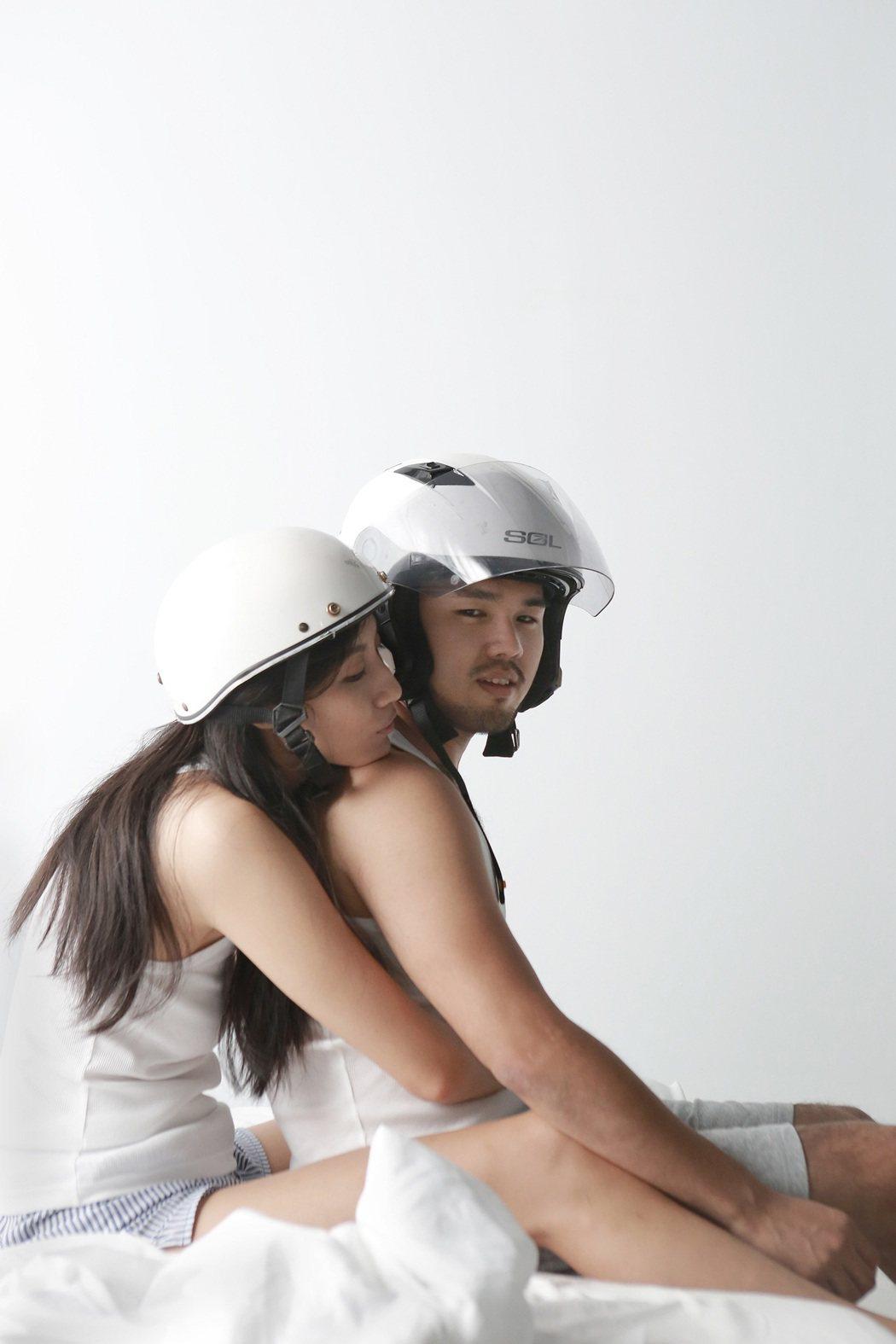 林欣甫與名模邱馨慧合拍MV,床戲玩十八招,竟然還見紅。圖/凱渥提供