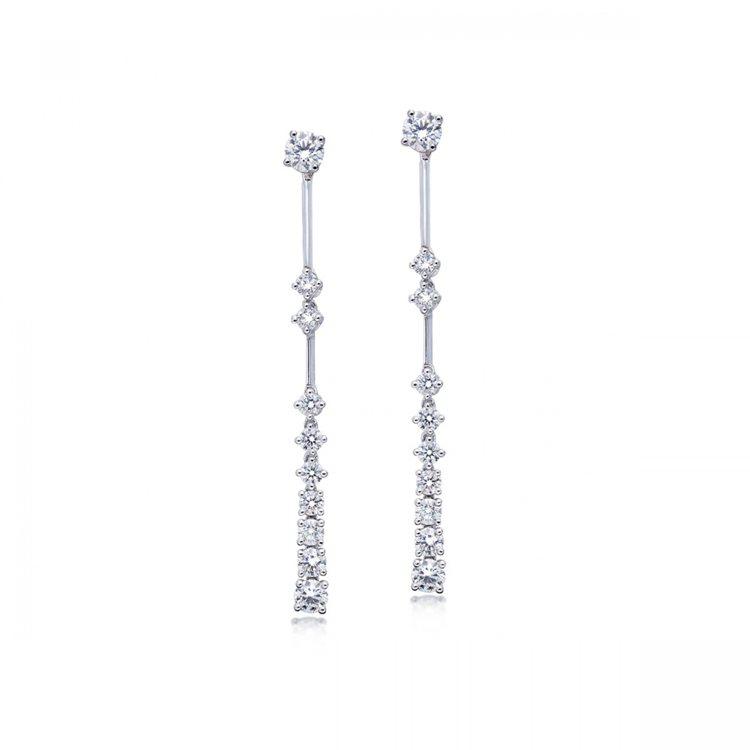 點睛品Infini Love Diamond 婚嫁系列900鉑金鑽石耳環,16萬...
