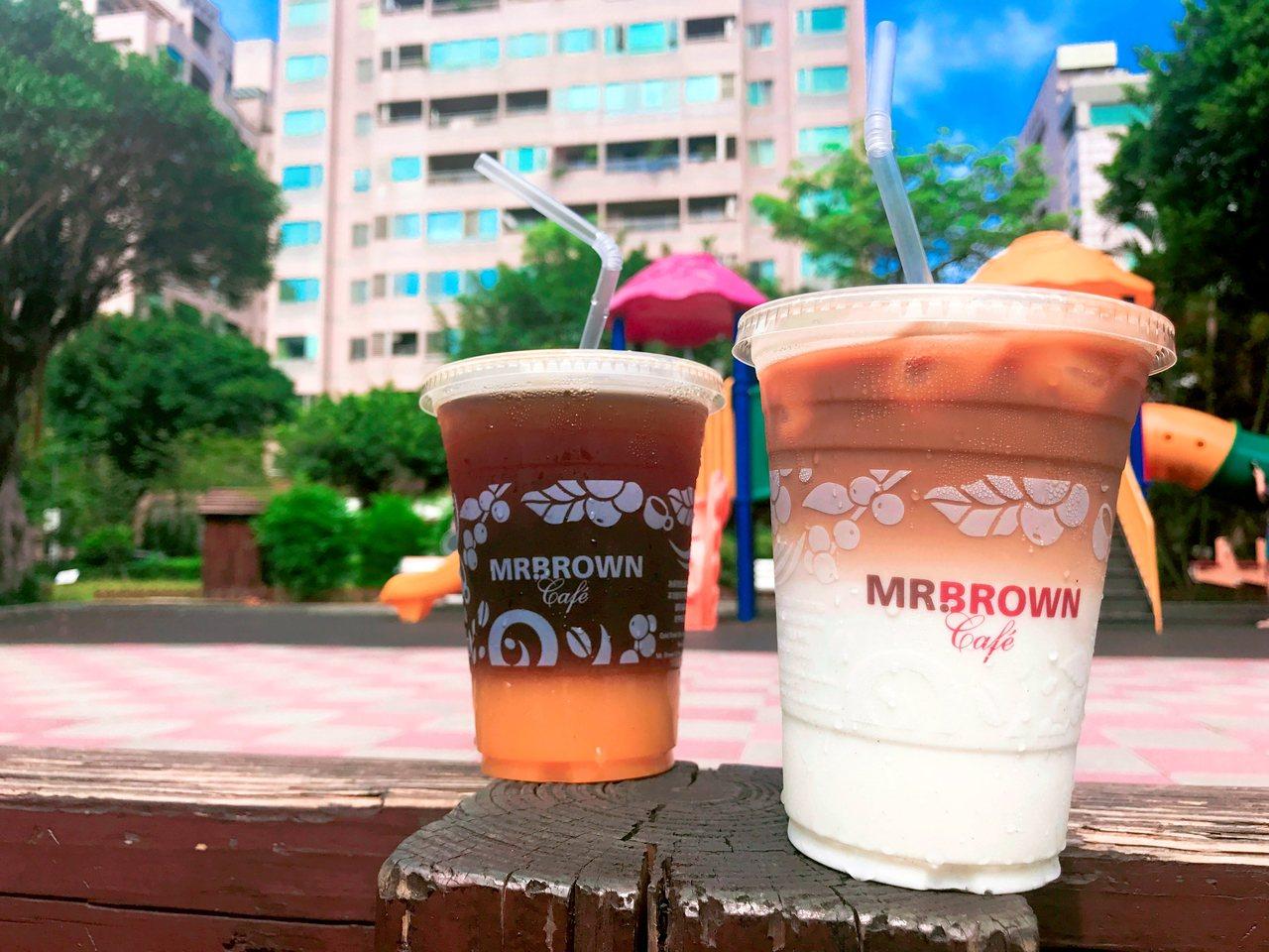 伯朗咖啡館補班分享加油 。圖/伯朗咖啡提供