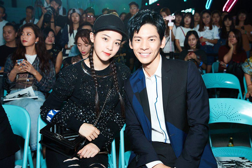林柏宏(右)出席時尚活動與歐陽娜娜同台。圖/周子娛樂提供