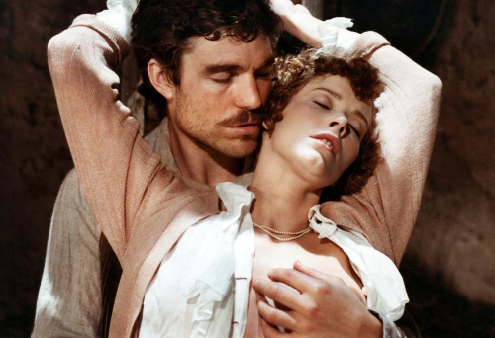 施薇亞克麗絲桃在 「查泰萊夫人的情人」照例又有煽情演出。圖/摘自Cineplex