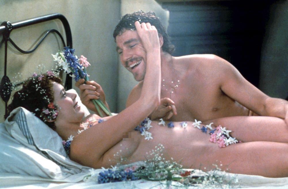 「查泰萊夫人的情人」在台上映時剪去這些清涼鏡頭,票房依然不錯。圖/摘自Cinep...