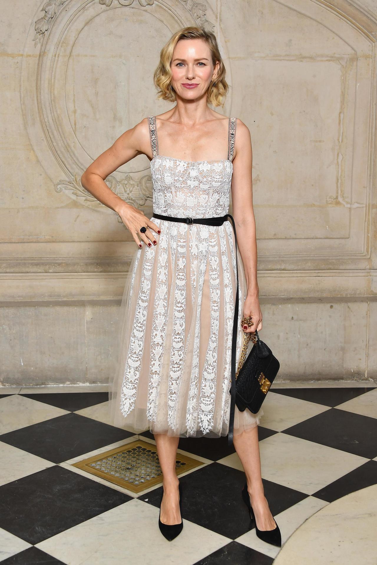 好萊塢影相娜歐蜜華茲出席Dior春夏時裝秀。圖/迪奧提供