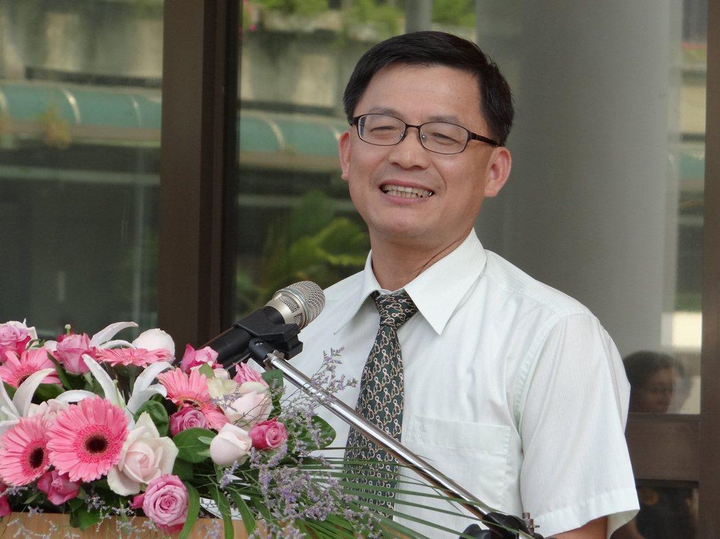 彰化地方法院院長蔡明曜參加彰檢「擴大營業」的揭牌儀式。記者何炯榮/攝影