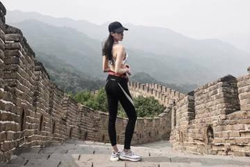 歐陽妮妮27日出席在緯來的新作「天降神機」發表會,被發現纖瘦許多,她透露約半年來減肥有成,前3個月就已甩掉3公斤,現在最重要的是維持,運動及控制飲食雙管齊下,爸爸歐陽龍愛女心切,看她節食太辛苦,常想...