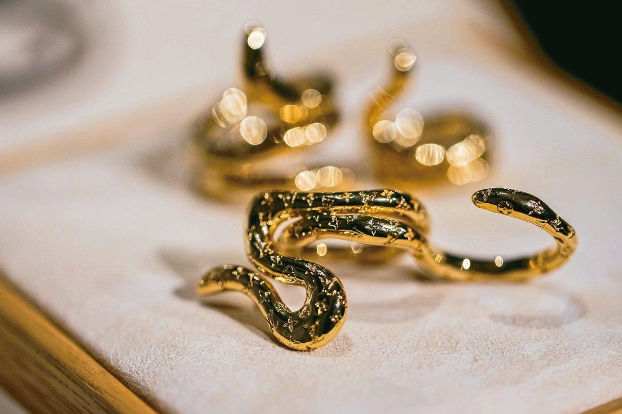 寶可夢瑪瑙水母的形貌,成為設計師打造本季戒指的靈感。 圖/LV提供