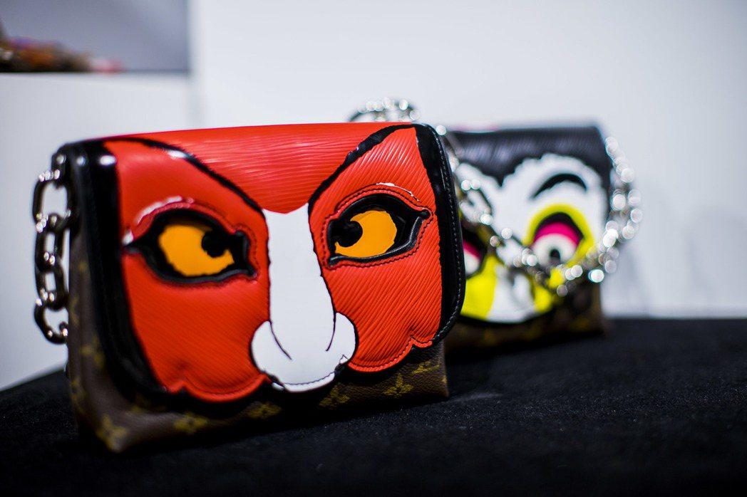山本寬齋的鮮豔歌舞伎設計風格躍上早春包款。 圖/LV提供