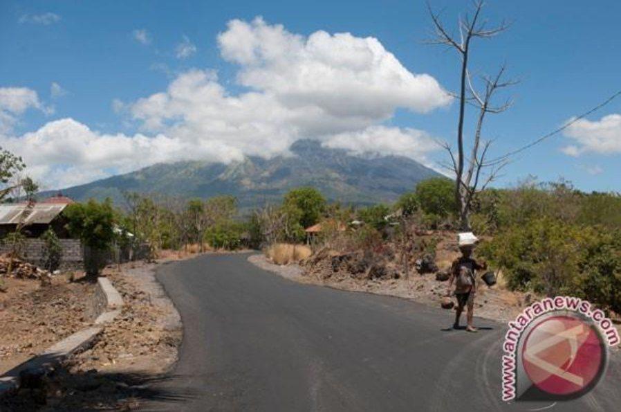 印尼峇里島阿貢火山近期有噴發可能,交通部觀光局經與行政院消費者保護處、中華民國旅...