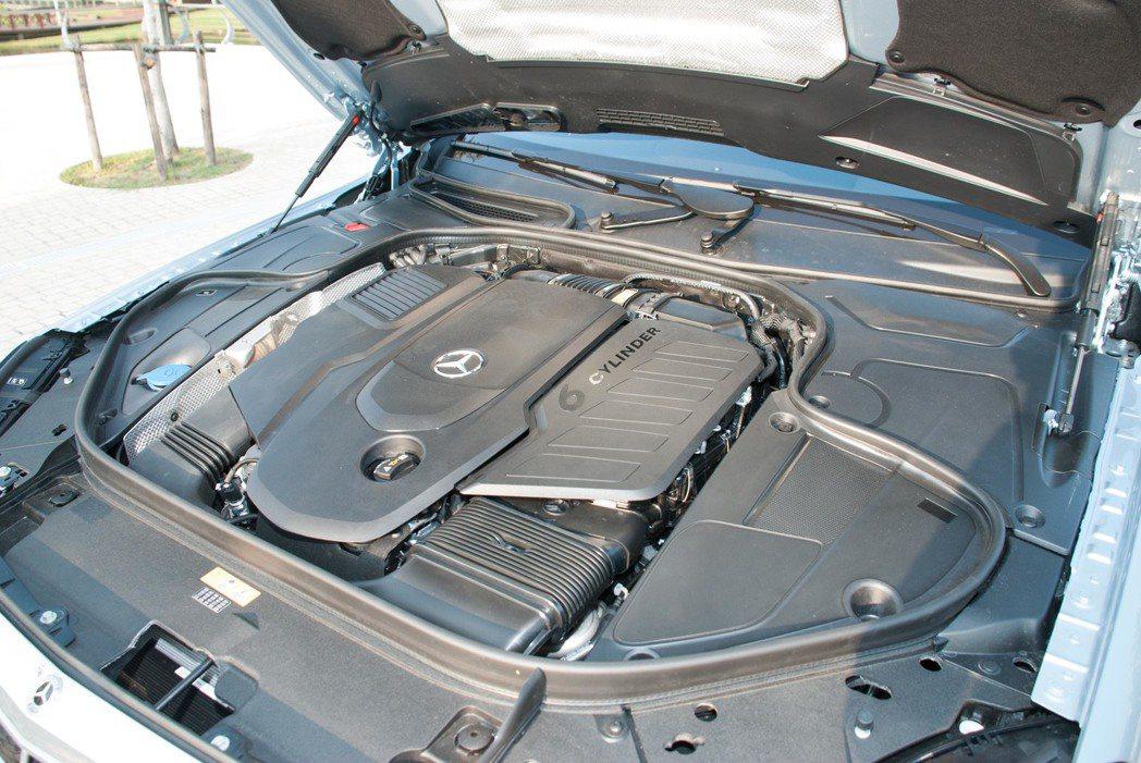 S350d運動版與S350d L的柴油引擎。記者林昱丞/攝影