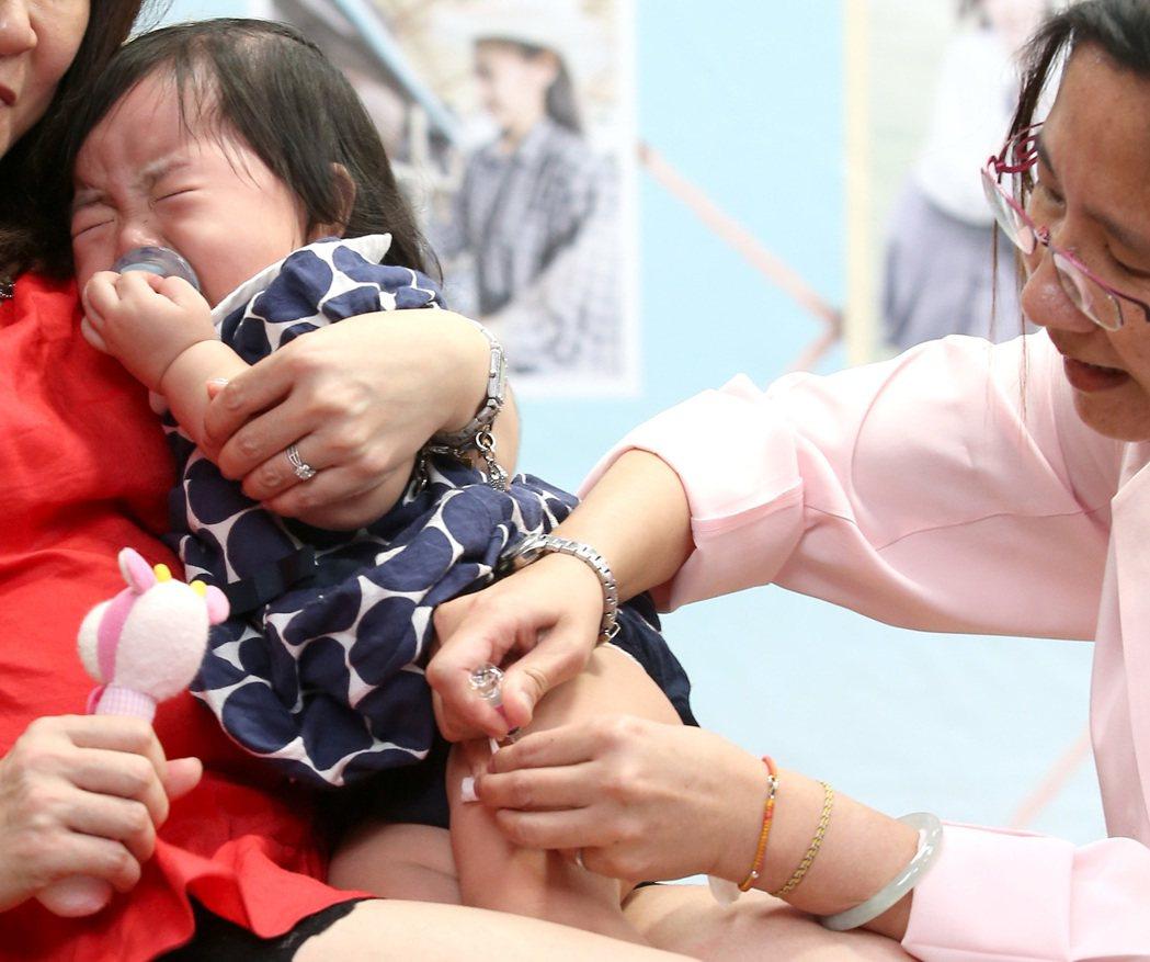 公費流感疫苗即將於十月一日開打。 本報資料照