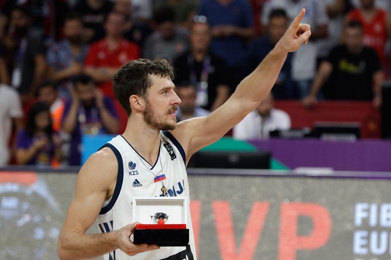 德拉基奇在歐錦賽大發神威,率領斯洛維尼亞打出9勝0敗完美成績,他也以平均22.6...