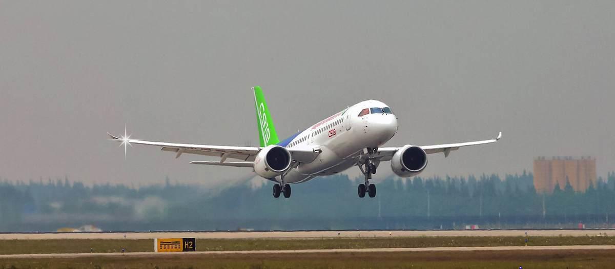 C919客機於2017年5月5日成功首飛。觀察者網