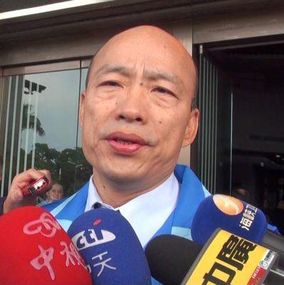國民黨高雄市黨部新任主委韓國瑜想盡辦法為黨工籌薪水,自己住辦公室,他說目前是「要...