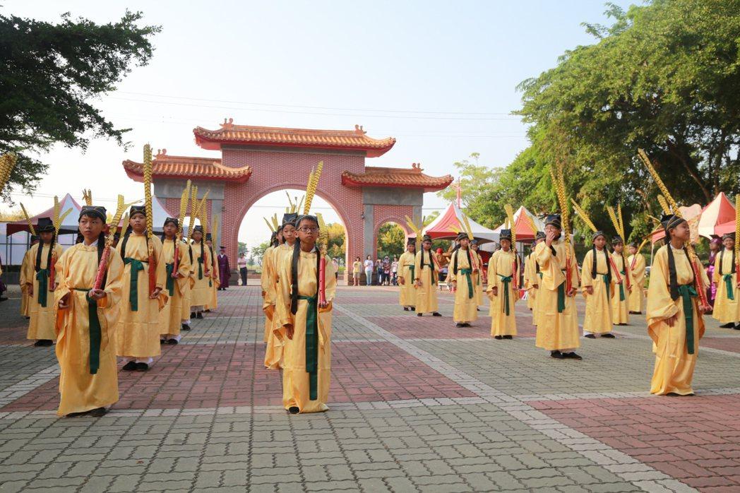 全台唯一 嘉義縣祭孔大典在文昌國小內的孔廟