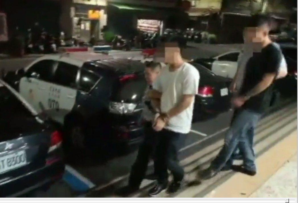 嫌犯被移送地檢署。 記者林昭彰/翻攝