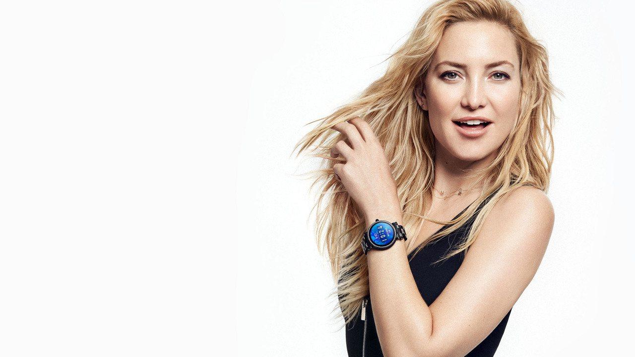 凱特哈德森配戴終止飢餓特別版的Sofie智慧型腕表。圖/Michael Kors...