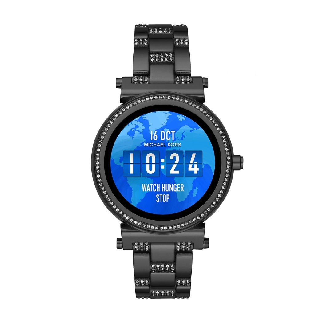 飢餓特別版的Sofie系列智慧型腕表,黑色電鍍配密鑲水晶設計,約16,300元。...