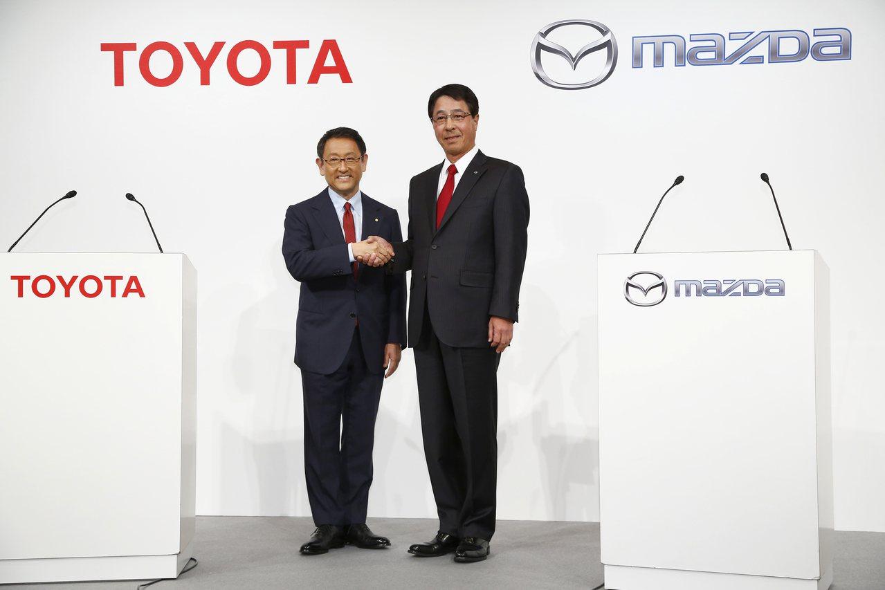 豐田、馬自達8月就宣布要合作電動車,如今又傳拉攏汽車零組件公司DENSO成立公司...