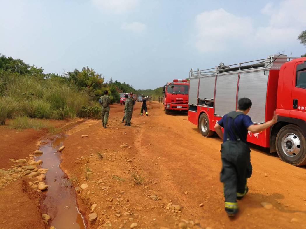 消防人員前往搶救。記者郭宣彣/翻攝
