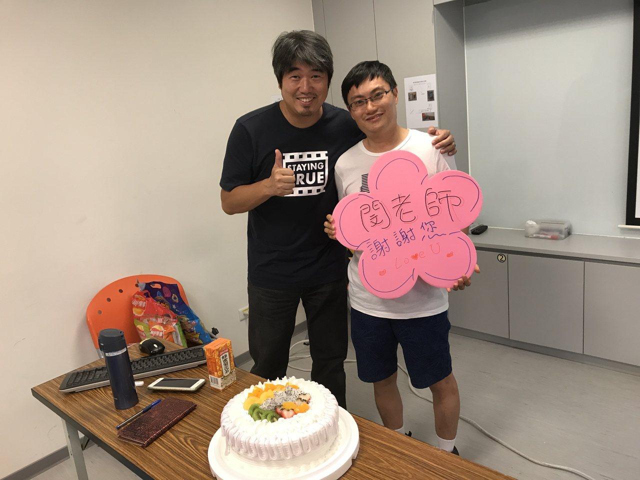 閔其慰(左)在心路基金會開課已經5年。圖/心路基金會提供