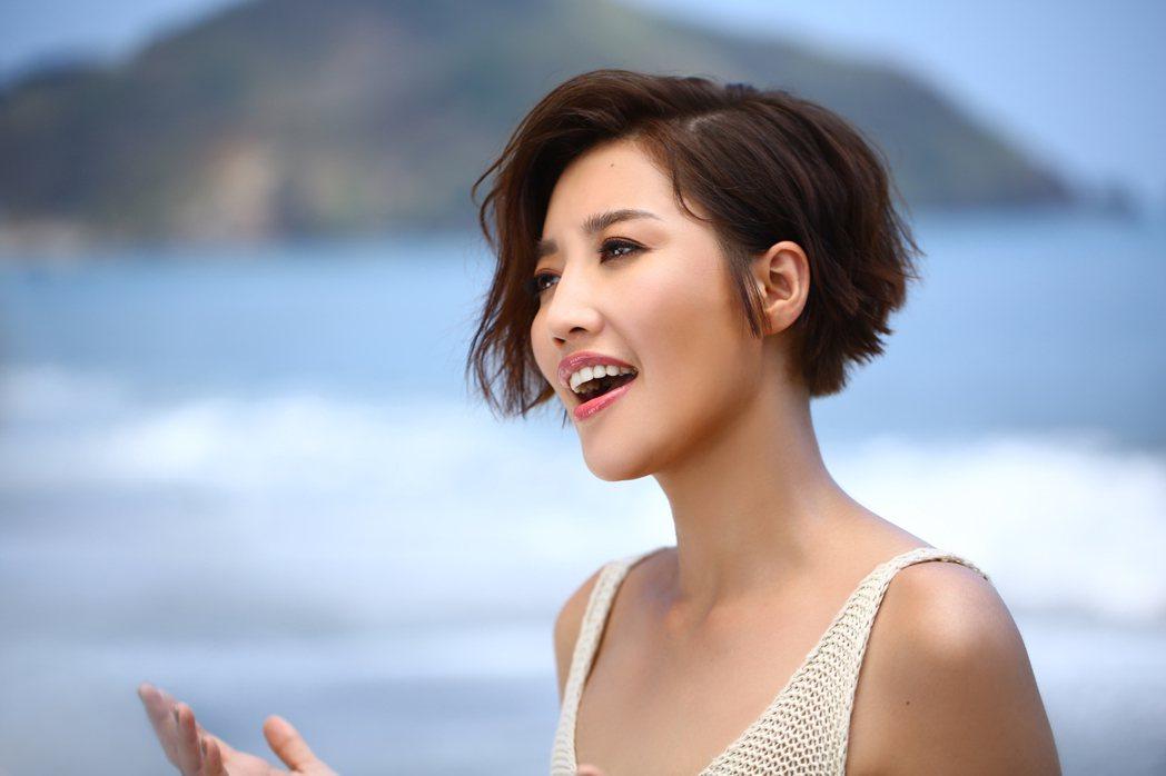 A-Lin新歌「光之海」MV。圖/索尼音樂提供