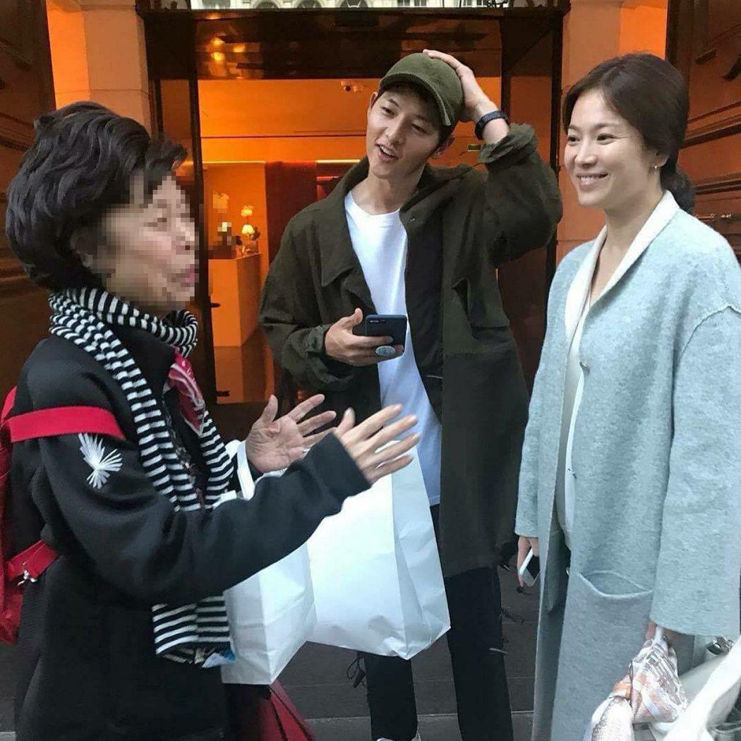 粉絲巴黎捕獲宋宋CP,喬妹被捕捉到腹部微凸,疑似有喜。圖/摘自香港01
