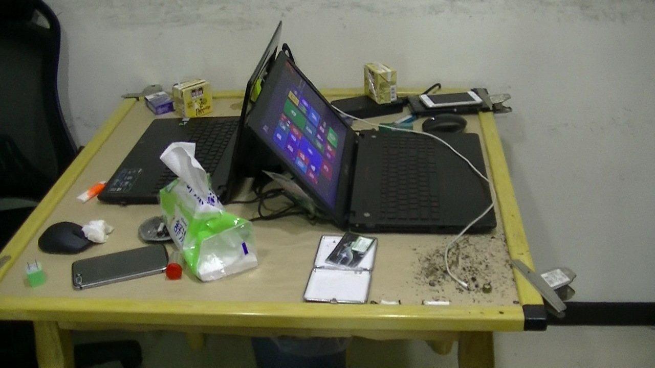 警方直搗提供詐騙集團機房使用的網路電話系統商,隱身在桃園某住宅大樓中。記者劉星君...