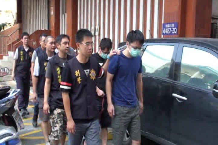警方逮捕提供詐騙機團機房使用的網路電話系統商。記者劉星君/翻攝