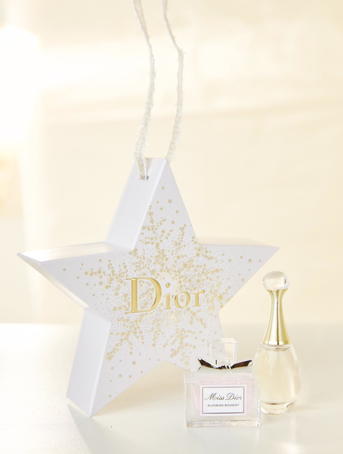 迪奧幸運星吊飾香水精巧版。圖/迪奧提供