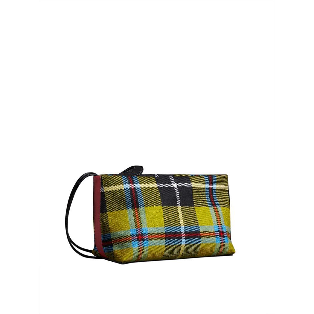 蘇格蘭格紋棉質手拿包,售價20,000元。圖/BURBERRY提供