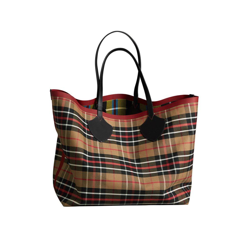The Giant雙面兩用蘇格蘭格紋棉質托特包,售價66,000元。圖/BURB...