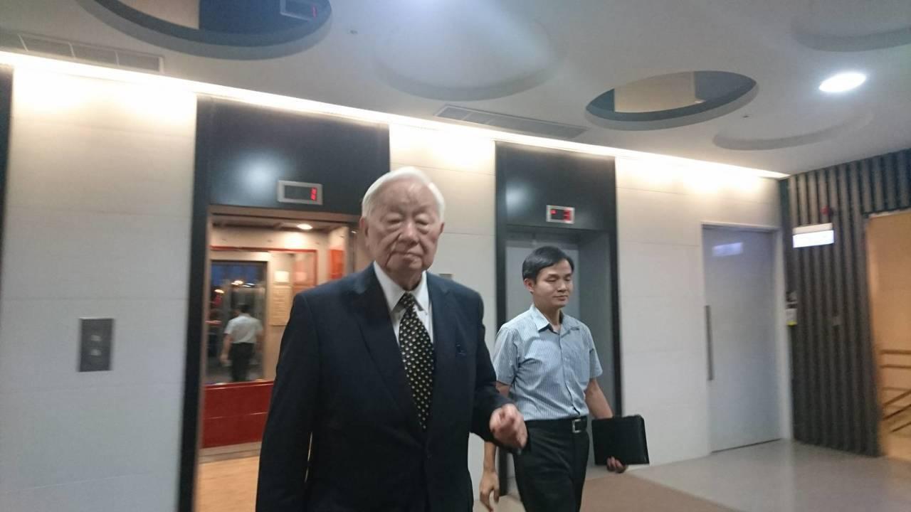 台積電董事長張忠謀今拜會國發會主委陳美伶,會談過程十分愉快