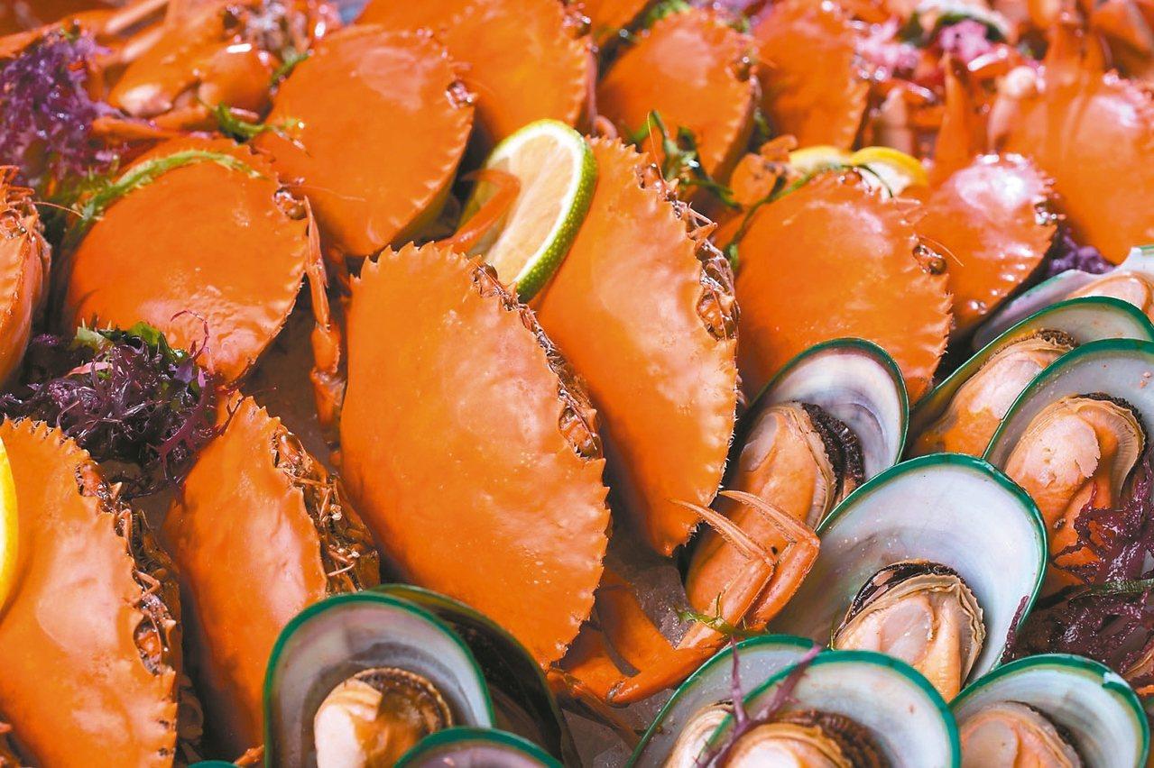 海鮮餐台集結各式時令海鮮。 圖/台北文華東方酒店提供