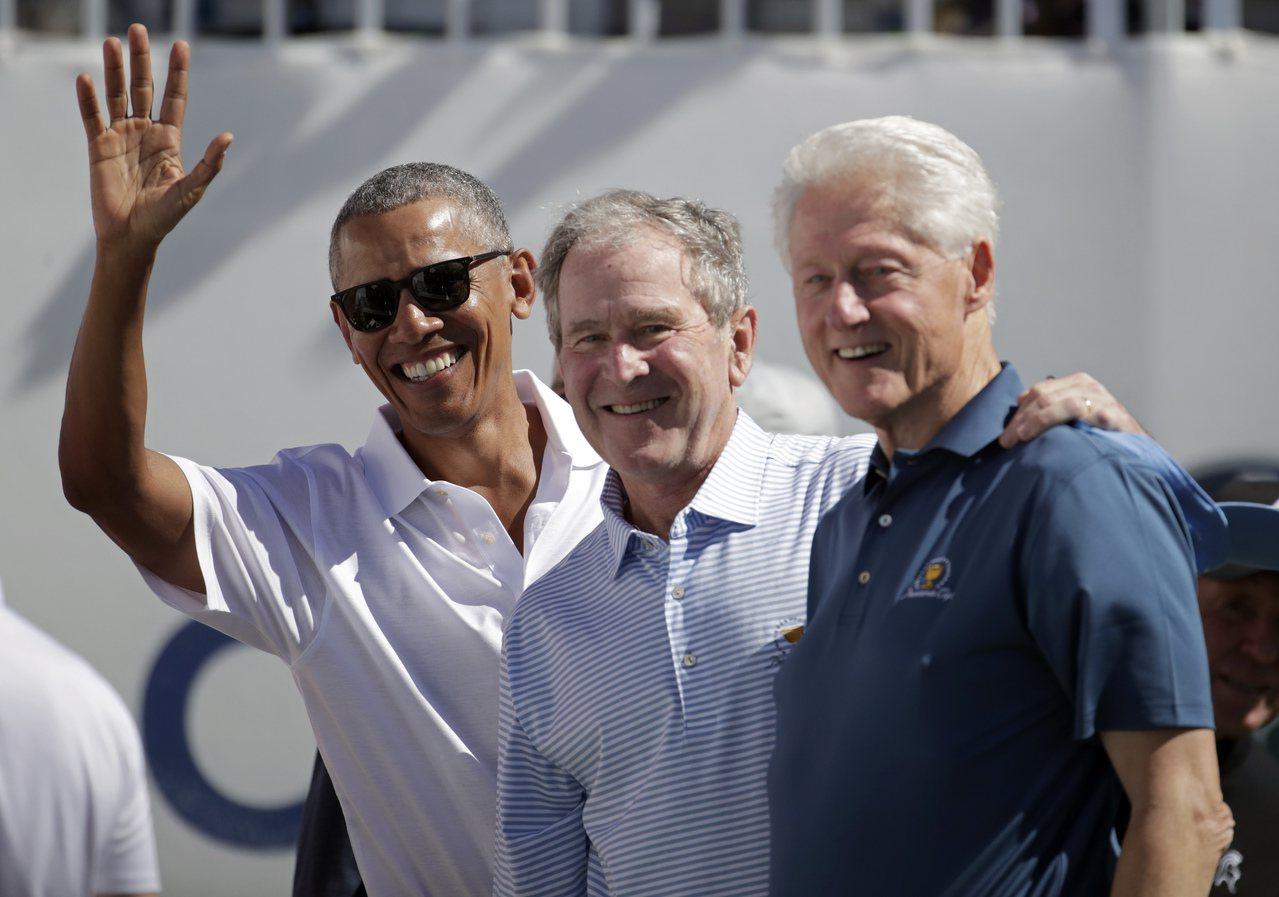 總統杯1994年創辦至今,首次有三位前總統同台開球。美聯社