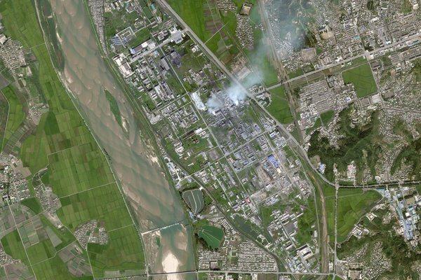 北韓第二大城、工業重鎮咸興的秘密化工廠意外曝光。 圖擷自紐約時報