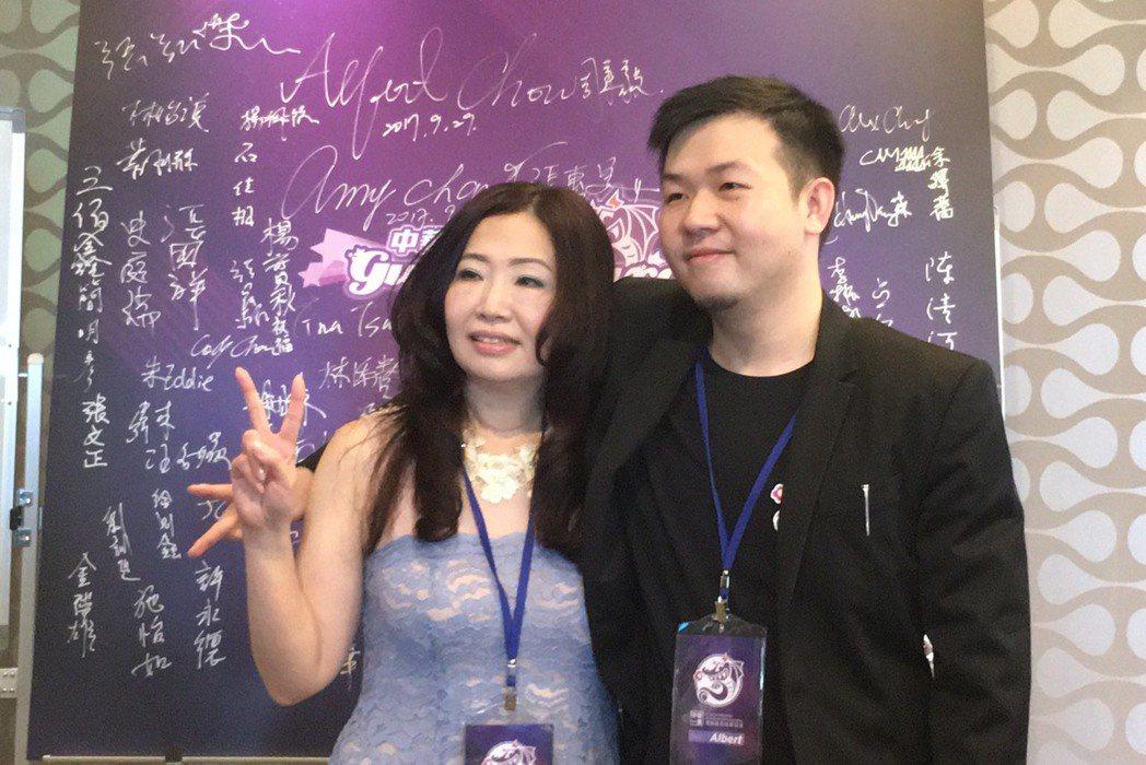 左:安妮時代董事長-張惠美/右:極限電競執行長-周秉毅 攝影/何思瑤