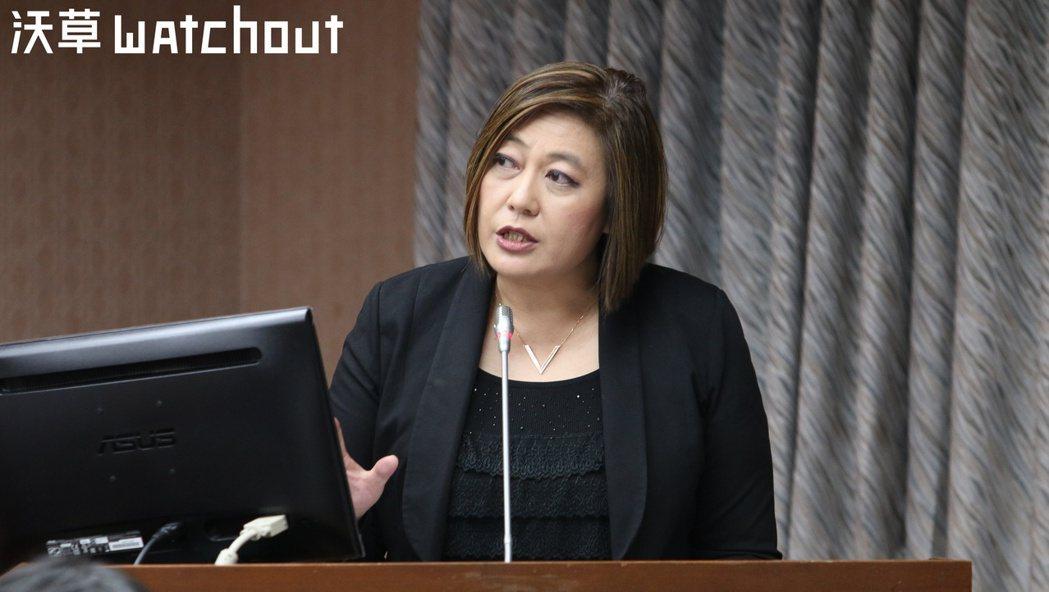NCC主委詹婷怡表示最快下月提修法放寬黨政軍條款。攝影/蕭長展