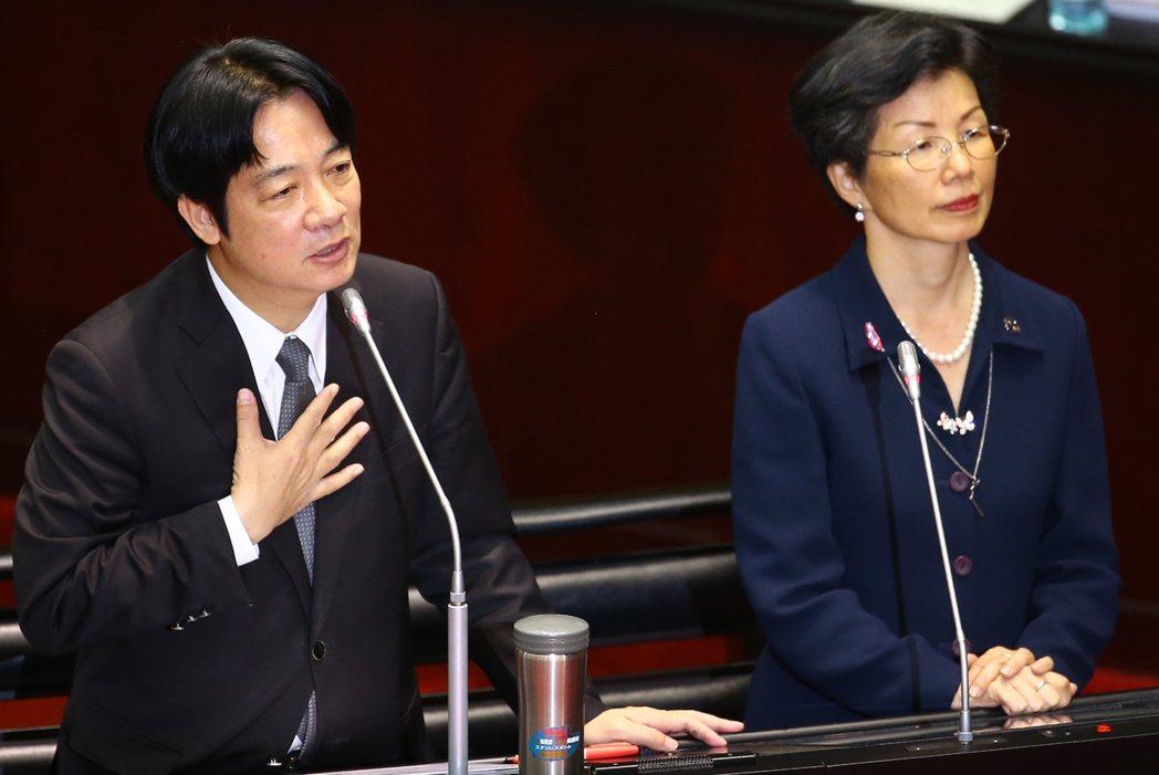圖為行政院長賴清德(左)與陸委會主委張小月。記者曾學仁/攝影