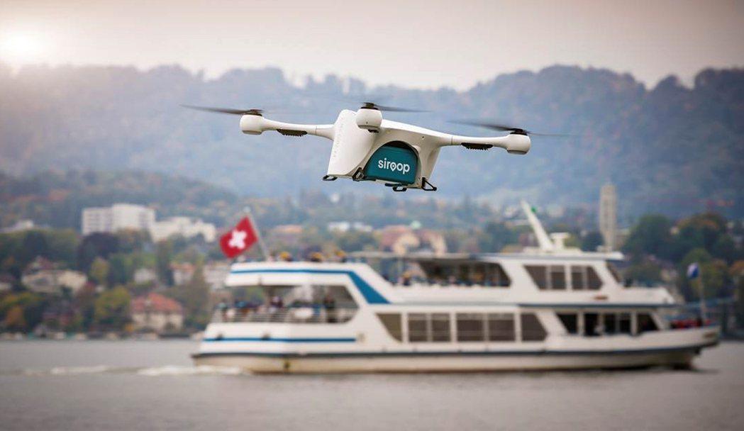 無人機在瑞士蘇黎世運送電商貨物。美聯社