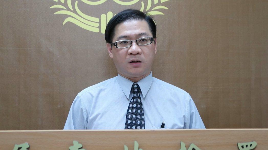 屏東地檢署主任檢察官林俊傑表示,葉文祥今天上午出院後,已順利完成報到手續,隨即入...
