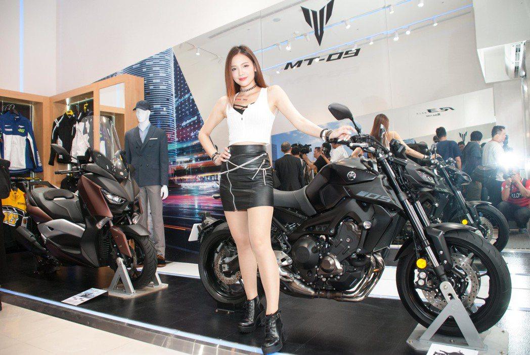 台灣山葉YAMAHA全新重機概念店「YBiT」。記者林昱丞/攝影