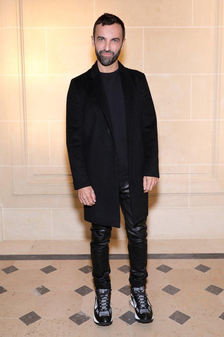 路易威登女裝藝術總監Nicolas Ghesquiere也是Chloe秀場嘉賓。...