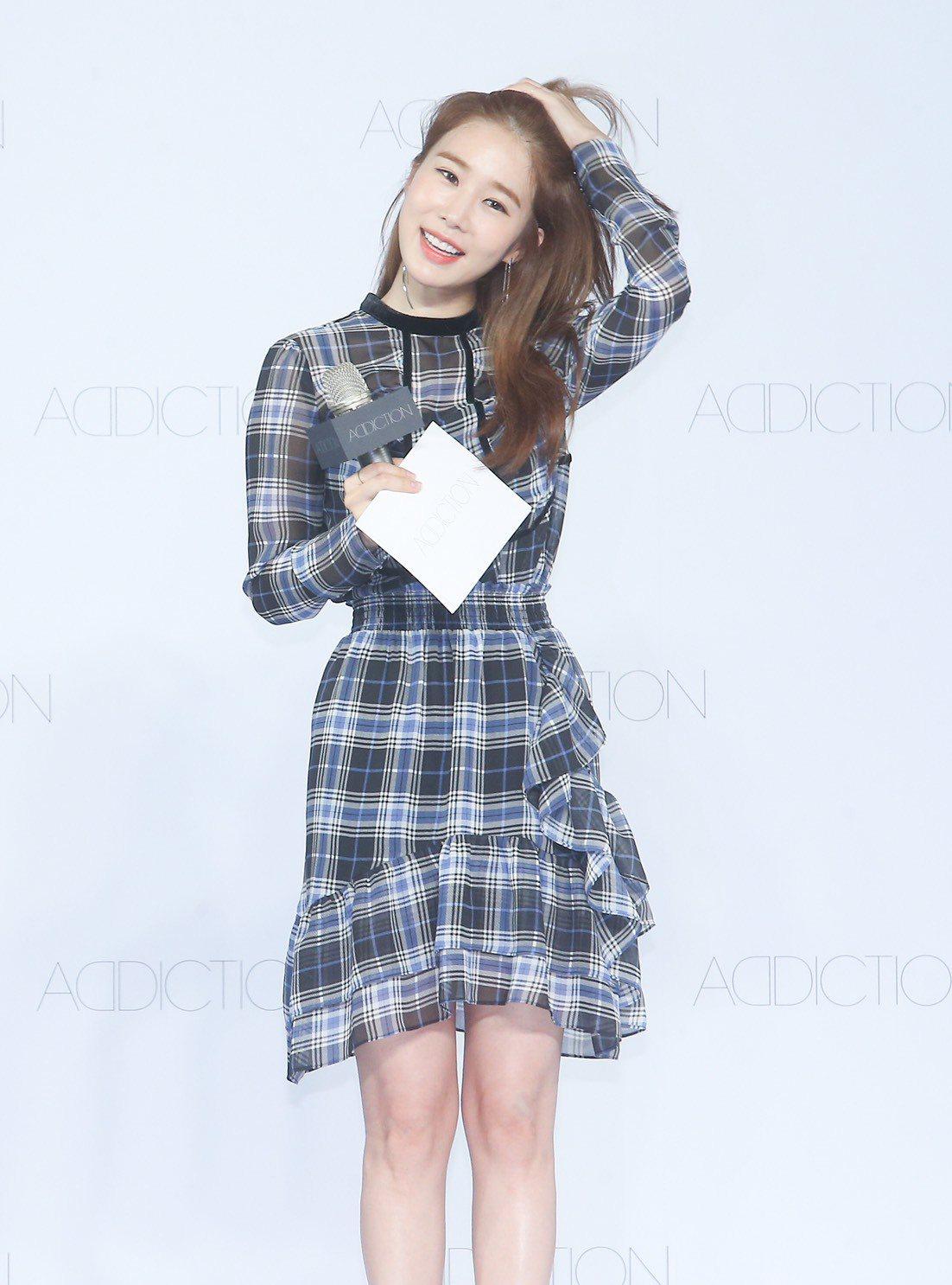 劉仁娜表示她相當喜歡「晴癮防曬粉底液N」的妝效。記者余承翰/攝影