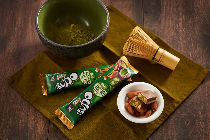 「抹茶杏仁乳加」特選來自日本的宇治抹茶,混合香濃的抹茶味及軟Q嚼勁,搭配進口整顆...