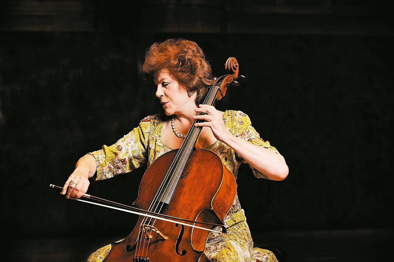 與杜普蕾齊名的跨世紀波蘭裔美國大提琴女神-克莉絲汀.瓦列芙斯卡(Christin...