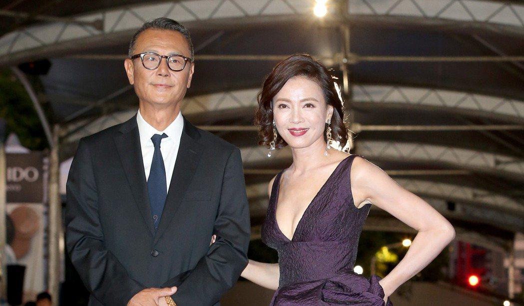 第52屆電視金鐘獎入圍戲劇節目男主角獎的劉德凱(左)、女主角獎的柯淑勤(右)走星