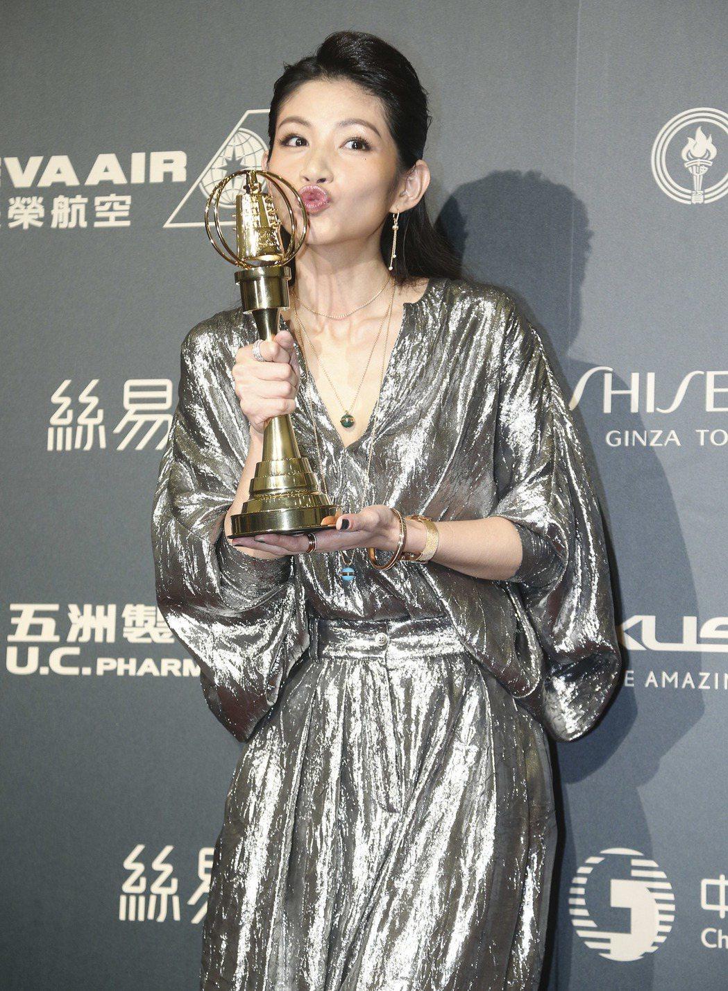 第52屆電視金鐘獎迷你劇集/電視電影女配角獎由李千娜獲得。記者黃威彬/攝影