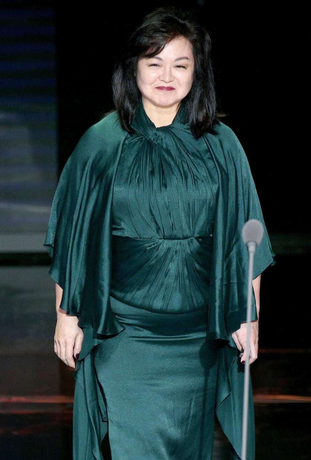 第52屆金鐘獎頒獎典禮在國父紀念館舉行,崔苔菁頒發特殊貢獻獎。記者林伯東/攝影