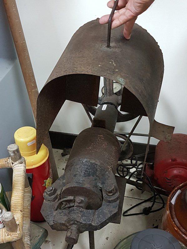 台灣早年用砲彈殼做的爆米花機,目前已難得一見。記者修瑞瑩/攝影